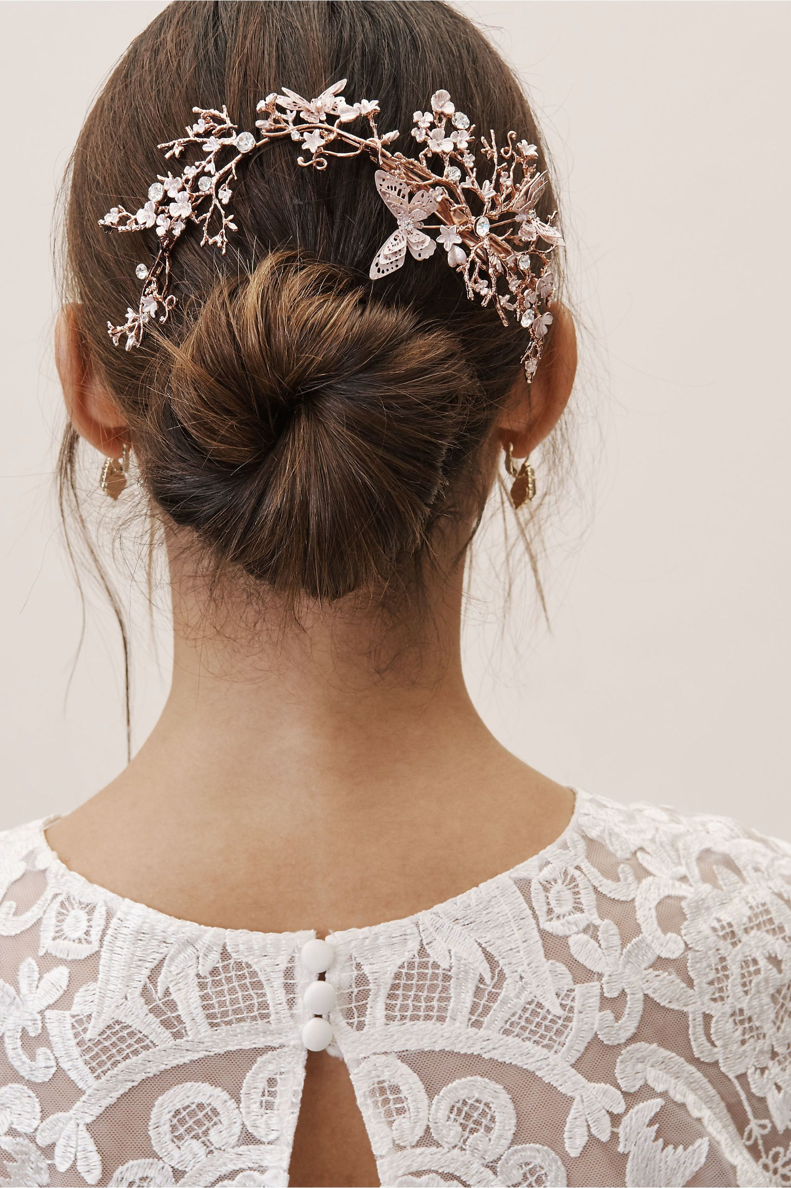 Brides Are Going Insane For These Bridal Headpieces Wedding Hair Styles
