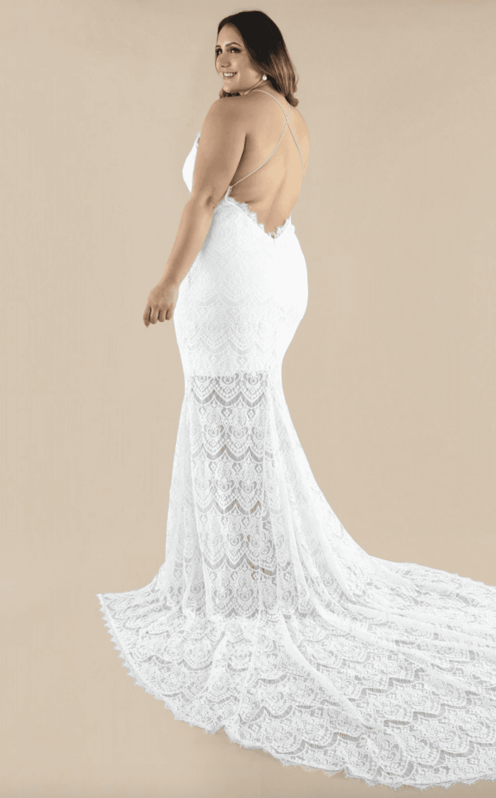 30 Perfect Plus Size Wedding Dresses And Bridal Gowns For Curvy Brides