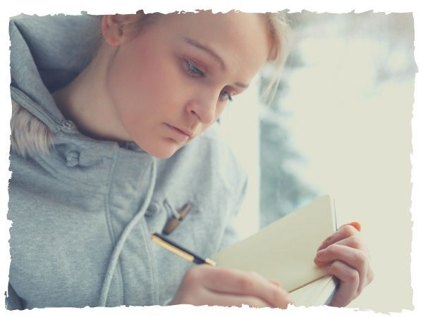 powerful health benefits of journaling | how to keep a diary to benefit from it | journaling for mental health prompts